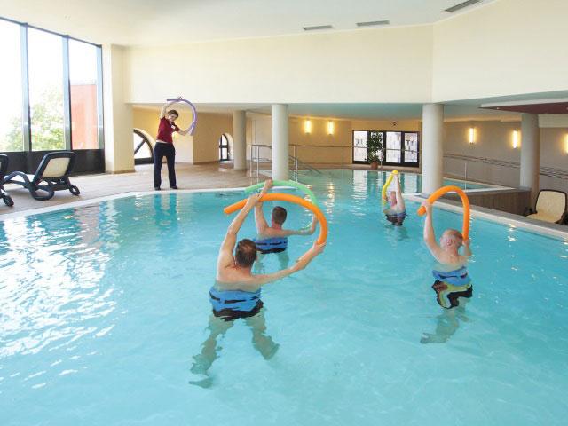 занятия ЛФК в воде при анкилозирующем спондилите