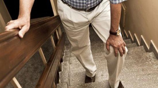 Лечение болей в колене при подъеме и спуске по лестнице